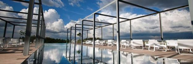 The Awesome Eternity Pool (photo taken from Alila website) Our photo didn't really do justice to this one